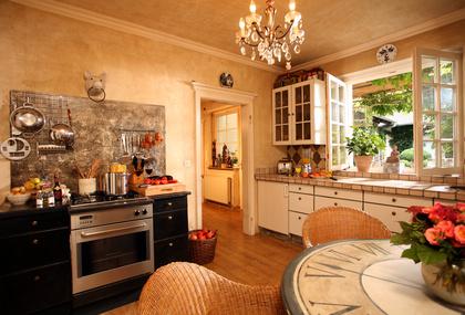 ein hauch von mittelmeer die mediterrane einrichtung. Black Bedroom Furniture Sets. Home Design Ideas