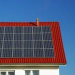 Der Artikel gibt Tipps zum Anbau von Solaranlagen.