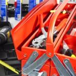 Akkubohrer und Werkzeugkasten