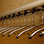 Der Artikel animiert zum Bauen einer Schwenk-Garderobe
