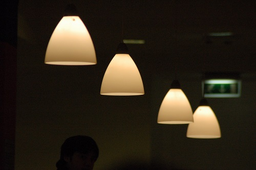 Lampen anschließen – so geht's