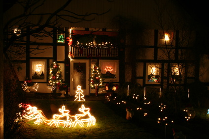 Weihnachtliche Fensterdeko selbst gemalt