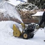 Der Artikel klärt, ob man den Schnee vor seinem Haus entfernen muss.