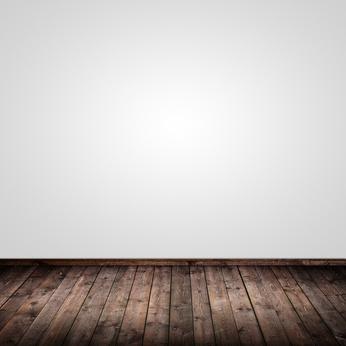 So werden dunkle Wände wieder strahlend weiß