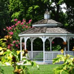Ein Pavillion im Garten