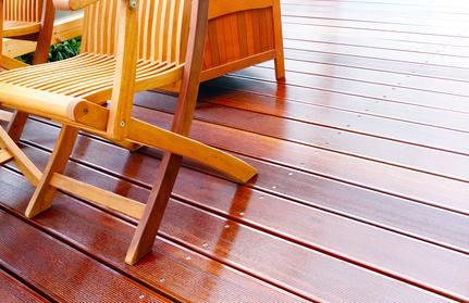 die terrasse auf hochglanz bringen so geht 39 s. Black Bedroom Furniture Sets. Home Design Ideas
