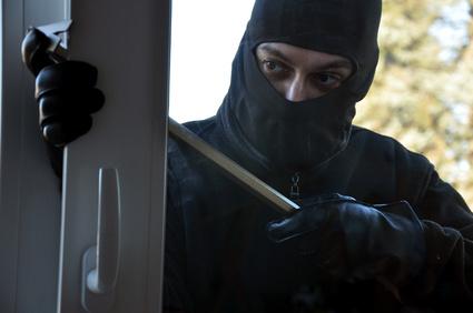 Do-it-yourself-Einbruchsschutz: Türen und Fenster absichern